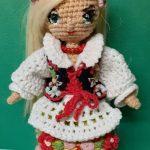 Lalka na szydełku - amigurumi według wzoru Lulu and Tete - Krakowianka - z dokładnym opisem i filmem jak wykonać haft