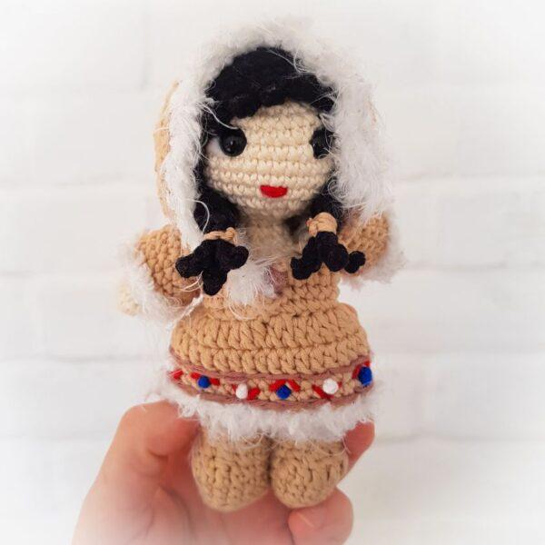 Wzór lala Eskimoska - na szydełku, amigurumi
