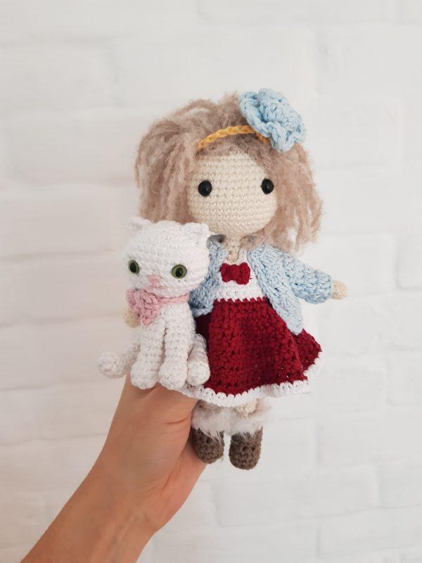 Wzór lala Lulu z kotkiem - na szydełku, amigurumi