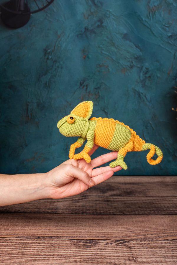 Kameleon na Szydełku zrobiony metodą amigurumi